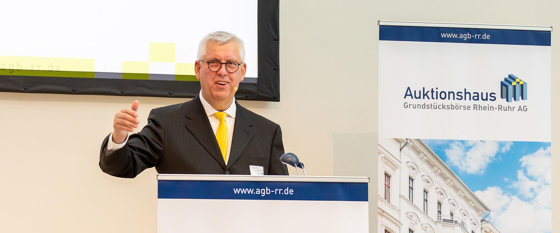 Immobilien-Auktion: Auktionator Klaus-Peter Großmann